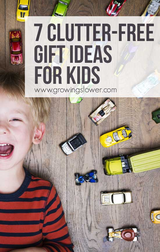 Cut the clutter before it starts with these clutter free gift ideas for kids. The idea of bringing a lot of new stuff into the house can almost make a mama dread holidays and birthdays. Instead, try these 7 Clutter-Free Gift Ideas for Kids that mom will love too! These affordable gift ideas are perfect for toddlers, preschoolers, and school-age kids.